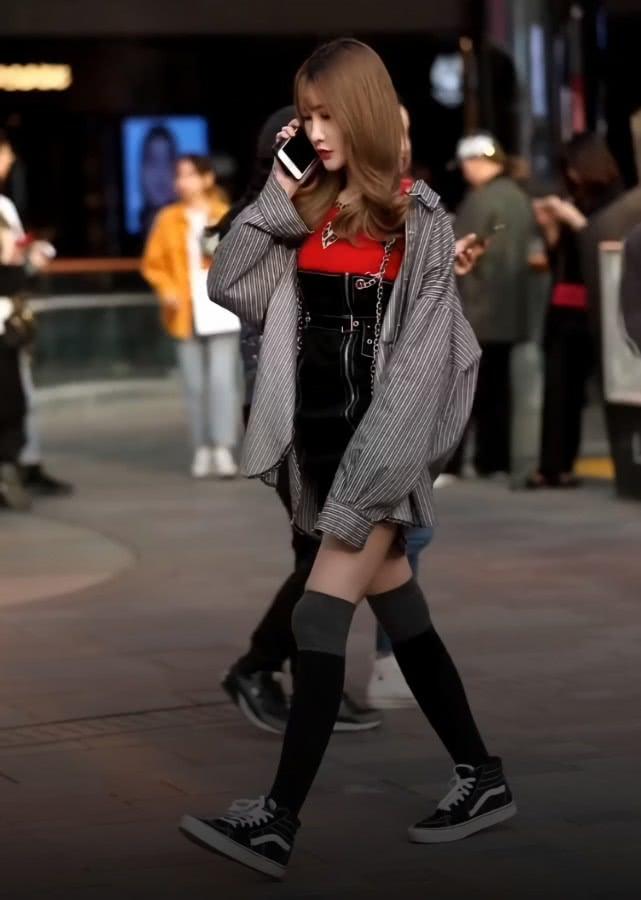 瘦小腿_穿对了还能显高显瘦,加高袜分分钟让你潮爆街头 - 桔子时尚网